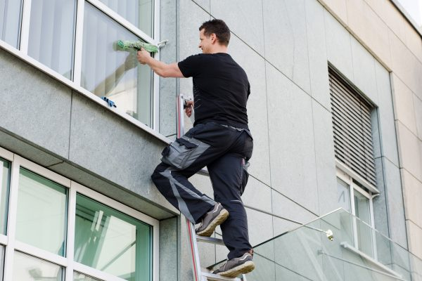 Commercial window cleaning in irvine ca