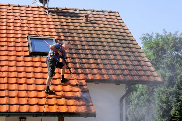 Gutter cleaning service in irvine ca